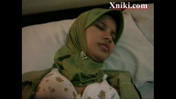 Amateur Arab Girl Taped Fucking Against Her Will – Xniki.com
