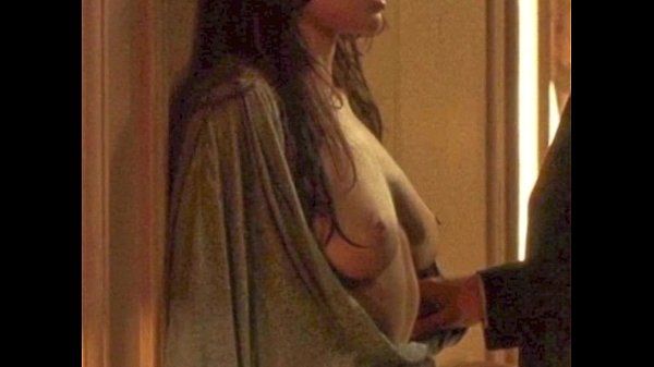 Angelina Jolie & Michelle Williams Topless: http://ow.ly/SqHsN
