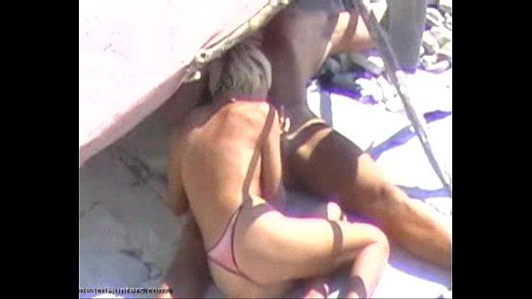 Hidden cam sexy blonde beach bj