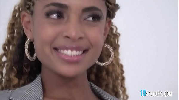 Interracial Dp With Stunning Ebony Babe