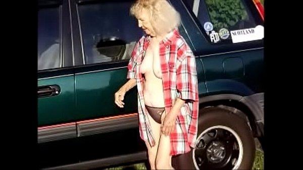 girlfriend outside flashing