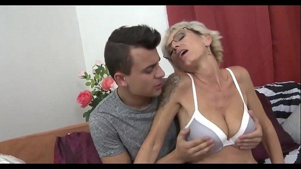 hot grannies X2CAMSTUBE.COM