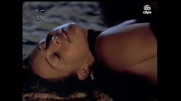Naked Gabriela Duarte in O Vestido1