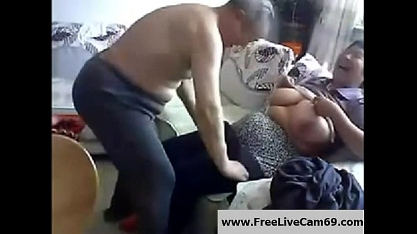 Old Chinese Couple get Naked and Fuck on Cam: Free Porn 4b