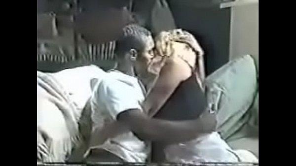 Cuckold Interracial Amateur – Wife Fucks Black Guy