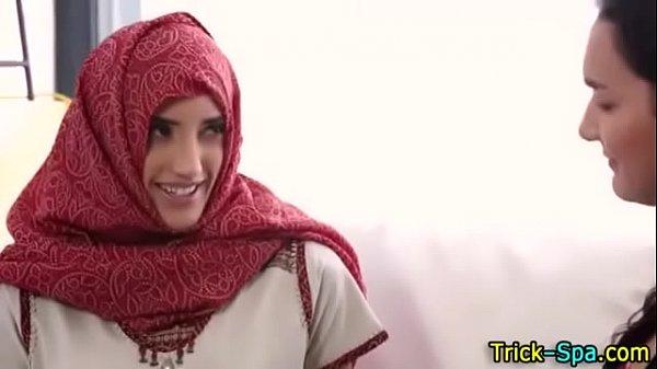 Hot Arab hijab girl sex video
