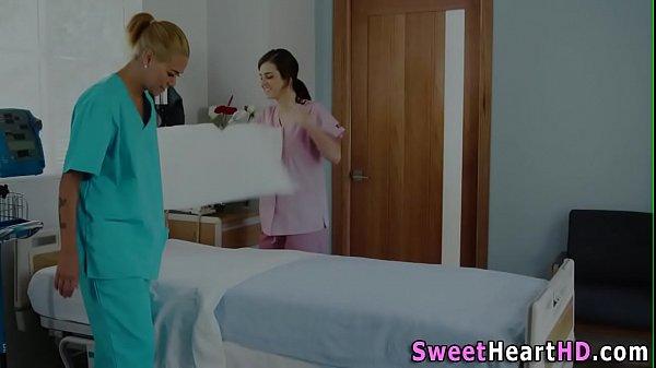 Les nurse babes scissor